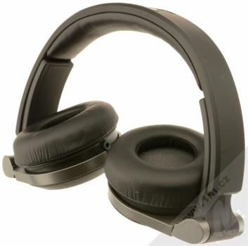 JBL Synchros E30 sluchátka s mikrofonem a ovladačem černá (black) složené