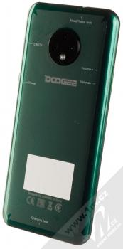 Doogee X95 tmavě zelená (emerald green) šikmo zezadu