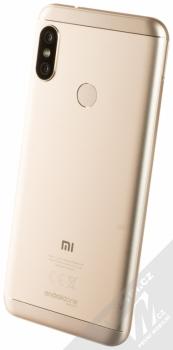 XIAOMI MI A2 LITE 4GB/64GB Global Version CZ LTE zlatá (gold) šikmo zezadu