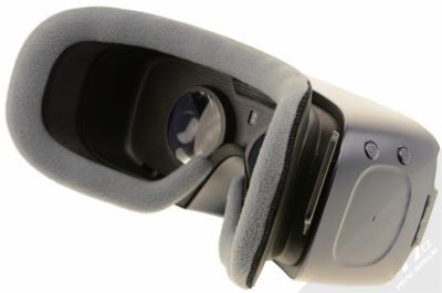 Samsung SM-R325 Gear VR with Controller (2018) originální chytré brýle pro virtuální realitu s ovladačem fialovošedá (orchid gray) šikmo zezadu