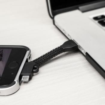Blue Star Key Chain malý USB kabel s Lightning a microUSB konektorem ve formě přívěšku na klíče černá (black) použití 4