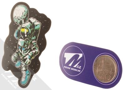 Samolepka Kosmonaut basketbalista přihrává Měsíc 1 měřítko